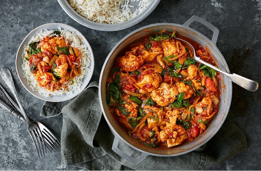 Cauliflower and spinach curry