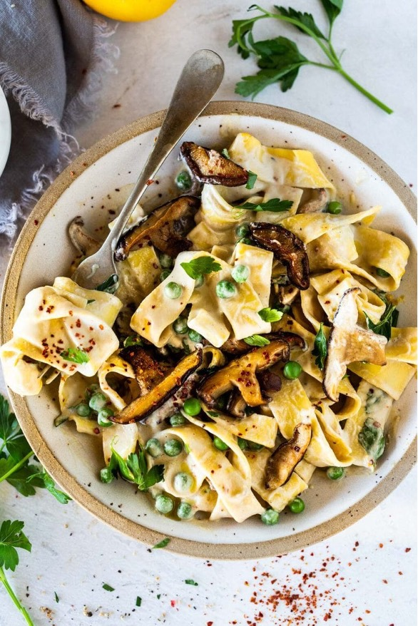 Zesty vegan pasta with cashew alfredo sauce
